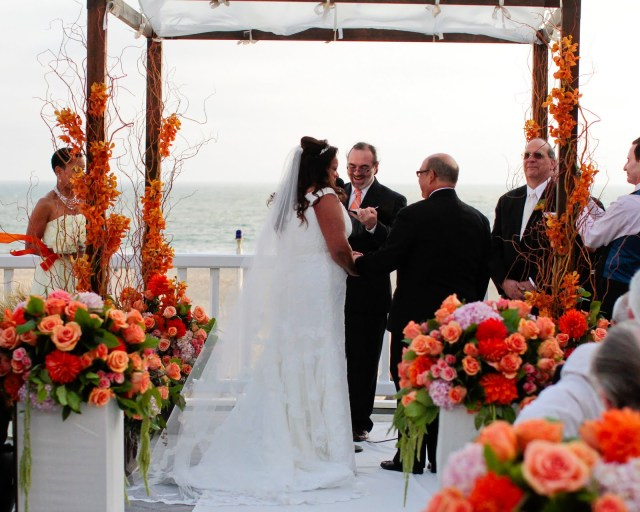 Los Angeles wedding officiant celebrates with Mark and Julie under their chuppah